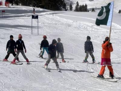 Pakistan Army won National Ski Championship 2017