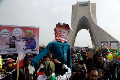 Death to America: Hundreds of thousands of Iranians march against Donald Trump