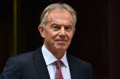 Tony Blair asks Britons to rise against May's Brexit