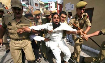 Indian police arrest Kashmiris in Delhi