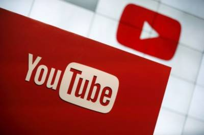 YouTube showing a billion hours of online video daily