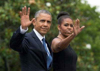 Barack, Michelle Obama sign bumper book deal