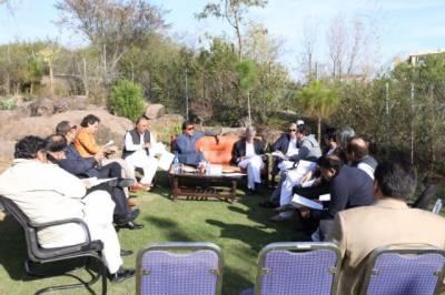 Imran Khan appreciates Federal government