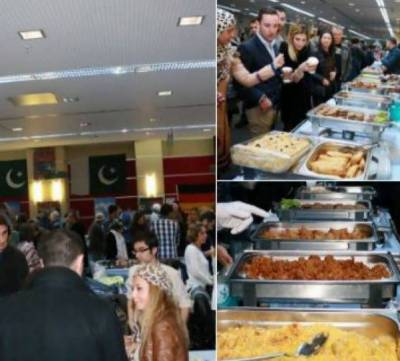 Pakistani food stalls at Chicago attracts many
