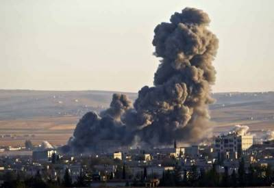 Large number of Syrians killed in unknown air strike