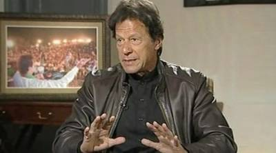 Imran Khan clarifies his remarks about foreign players