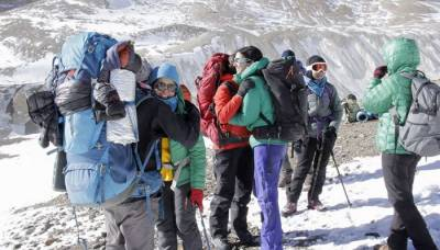 -Pakistan Women National Team to create history by climbing Mount Everest
