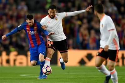 Lionel Messi strikes hard for Barcelona, closes on with Real Madrid