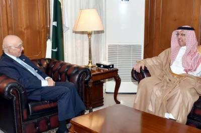 Outgoing Saudi Ambassador calls on Sartaj Aziz
