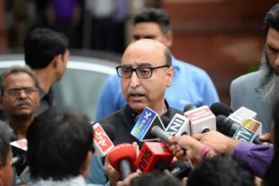 Hurriyet leaders meet Pak High Commissioner in New Delhi
