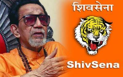 Shiv Sena forcefully closes 300 meat shops in India