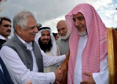 Naib Imam e Kaaba Sheikh Saleh Bin Ibrahim arrives in Pakistan