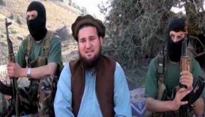 Ehsanullah Ehsan, spokesman of TTP/JamaatAhrar surrender before Pakistan Army
