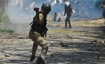 Indian Police crackdown against Kashmiri students in IOK