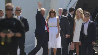 Trump return at White House attending church service in Florida