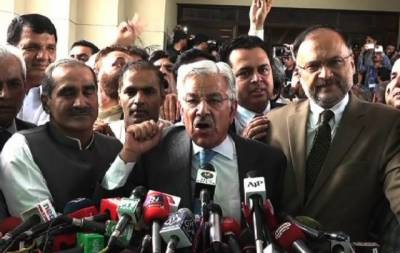 SC decision victory of PML-N: Khawaja Asif