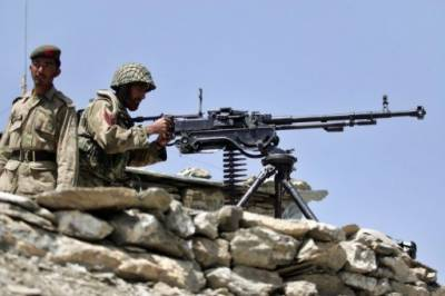 120 TTP terrorists attack Pakistan Army check posts from Afghanistan