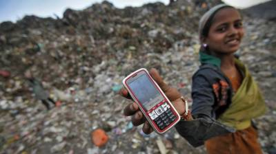 Indian women to be heavily fined for using mobile phone in a village