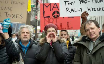 Thousands march in New York in protest against Trump visit