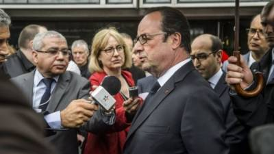 French election: Hollande vows to response to Macron hack
