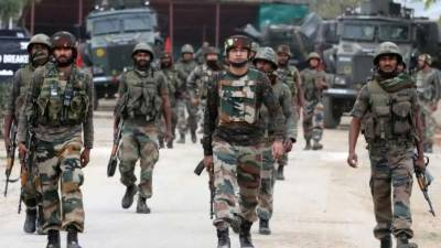 Indian Paramilitary soldier killed in Occupied Kashmir