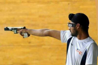 Why India's national shooting team stopped to at Delhi airport
