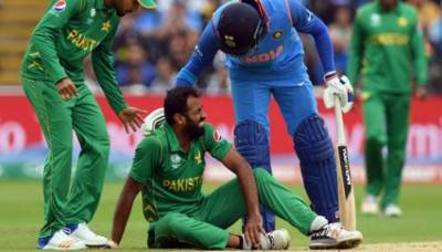 Wahab Riaz taken to hospital after the match