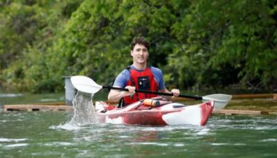 Justin Trudeau takes a shot at Donald Trump over climate change policies