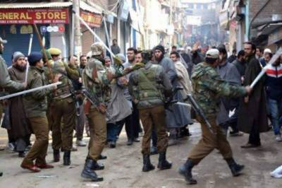 Indian CRPF 16 soldiers critically injured across Occupied Kashmir attacks