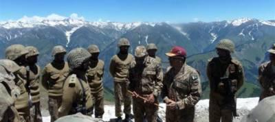 Corps Commander Rawalpindi visits LoC, befitting response to Indian Army fire urged