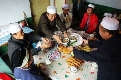 Muslims in China celebrate Eid with religious zeal