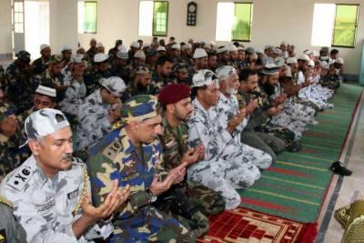 Pakistan Navy Chief visits forward operating base at Indian border