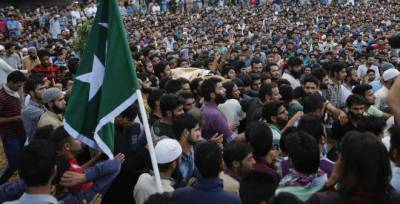 Indian Army martyrs four Kashmiris, thousands defy funeral ban