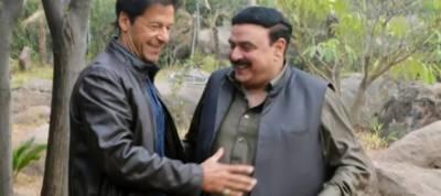 Imran Khan, Sheikh Rashid to attend SC tomorrow for Panama case verdict hearing