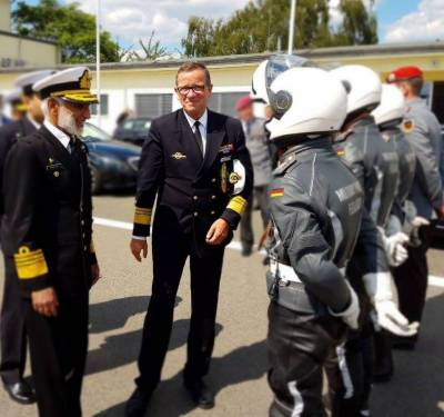 Pakistan Navy Chief visits German Submarine Naval Base