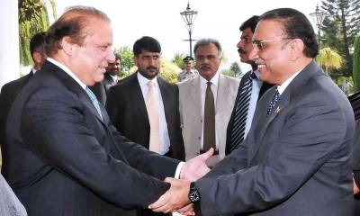Nawaz Sharif contacts Asif Zardari, seeks help