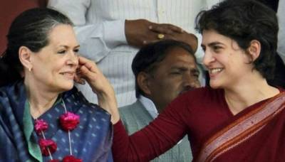 Sonia Gandhi hints at making Priyanka Gandhi Congress President