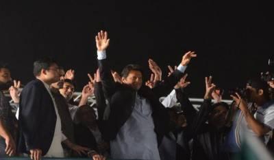 Imran Khan hits hard at Asif Zardari in PTI Sukkur Jalsa