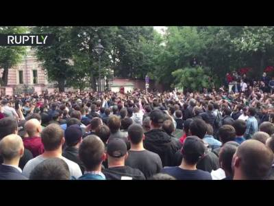 Russian Muslims in thousands protest in front of Myanmar Embassy Moscow