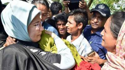 Turkish first lady Emine Erdogan reaches Rohingya Muslims camps in Bangladesh with aid