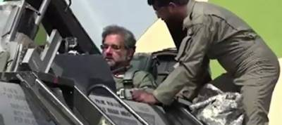 Shahid Khaqan becomes first Pakistani PM to fly F-16 fighter jet mission