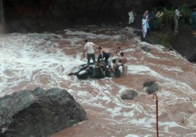 -AJK official along with seven family members killed in flash floods