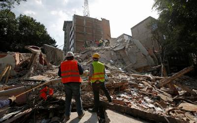 Blame starts to fly over Mexico quake collapses