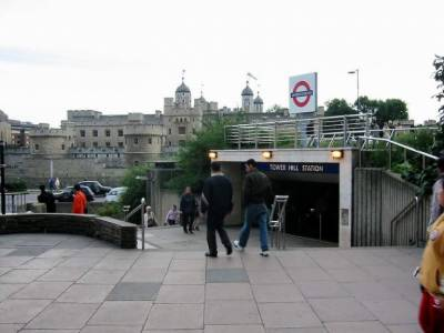 Bomb blast at London Tower Hill Metro Station