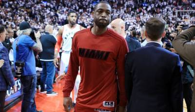 NBA: James hopes Wade will join Cavs