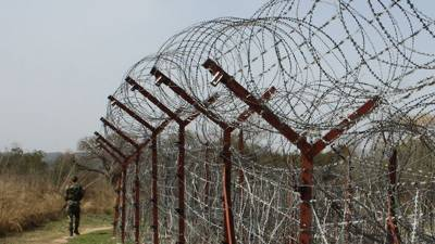 Indian BSF fire martyrs one, Injures five at LoC