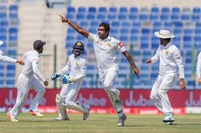 Pakistan's top order collapses against Sri Lanka