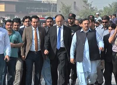 Government to seek explanation from DG Rangers over NAB court deployment: Interior Minister