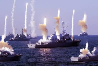 Iranian Navy massive power show in Persian Gulf