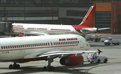 Air India under Rs 50,000 crore debt burden, government advised to privatise national airline